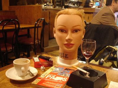 Parisienne_cafe_life